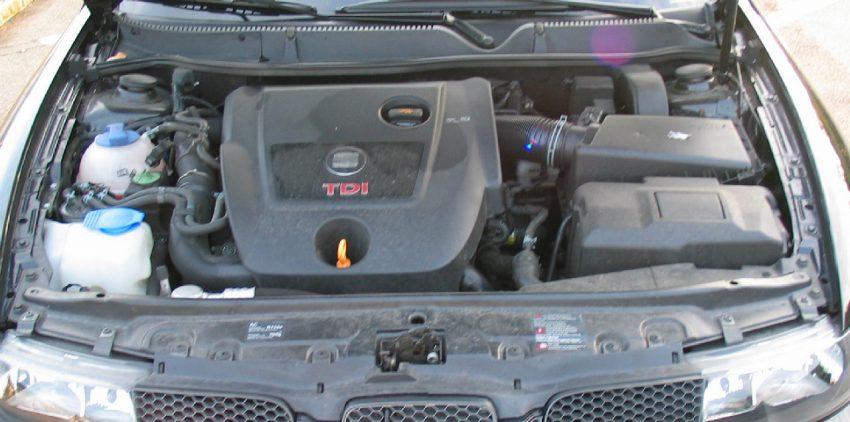 Motorraum von einem Seat Leon