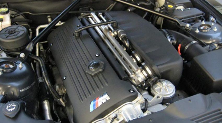 Motorraum von einem BMW X3