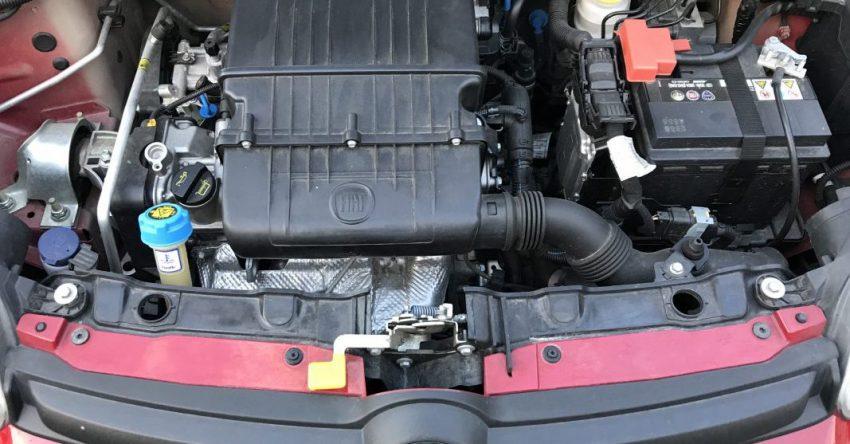 Motorraum von einem Fiat Panda