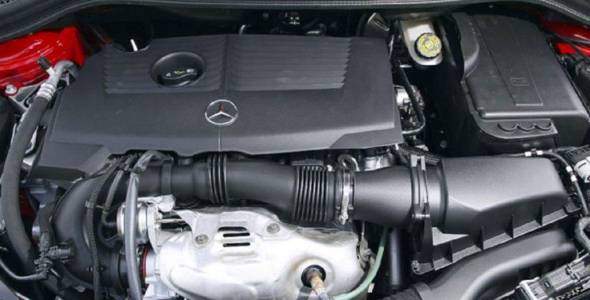 Mercedes Benz B Klasse Motorraum