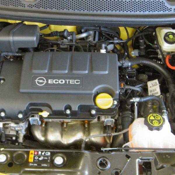 EcoTec Motor von einem Opel Adam