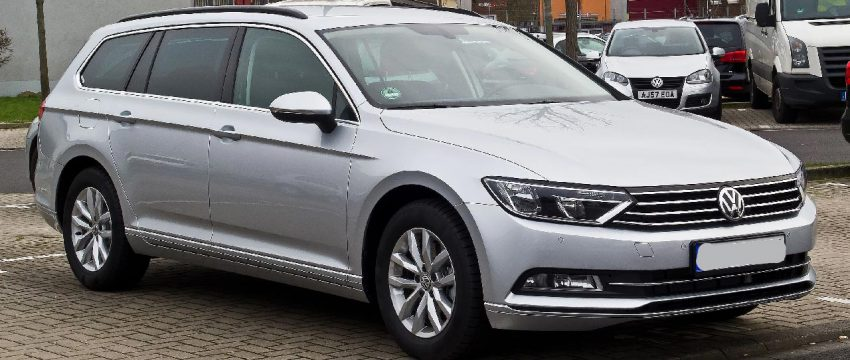 Silberner VW Passat B8 Frontansicht