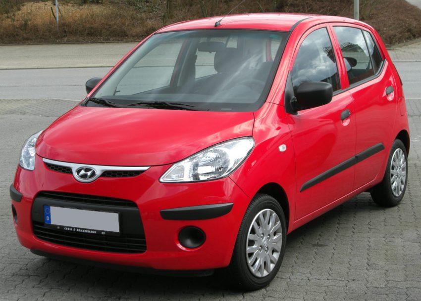 Roter Hyundai i10 Frontansicht