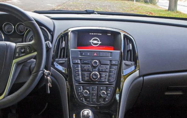 Innenraum Opel Astra J