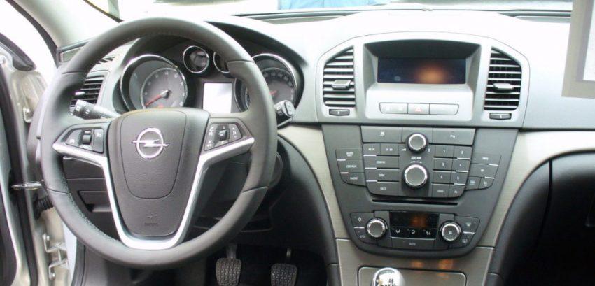 Fahrerseite Opel Insignia