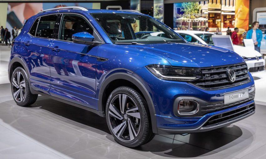 Frontansicht Blauer VW T Cross R Line SUV