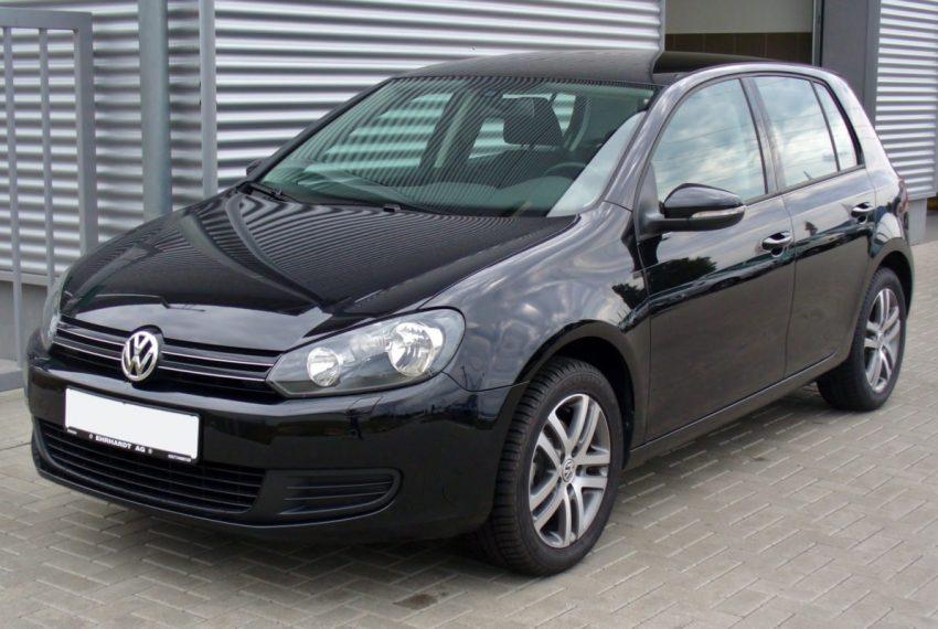 Frontansicht Schwarzer VW Golf 6