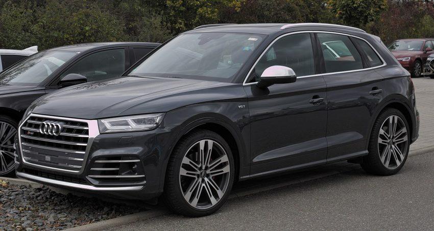 Seitenansicht Schwarzer Audi SQ5