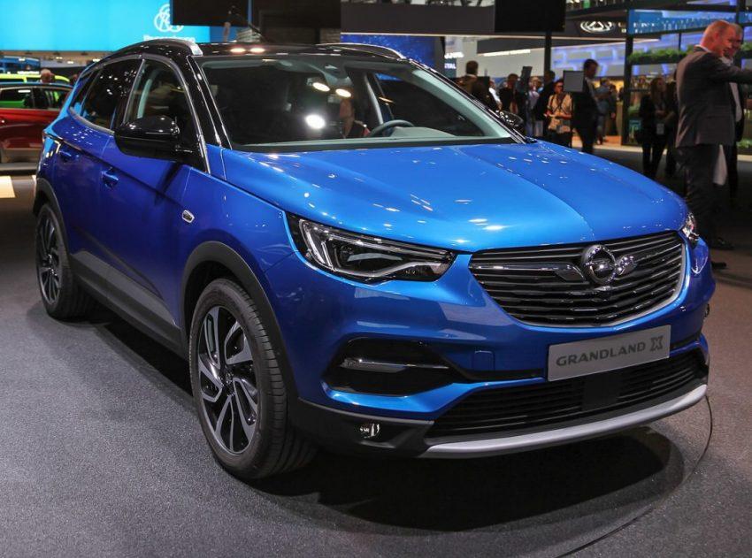 Frontansicht Blauer Opel Grandland X mit Schwarzem Dach