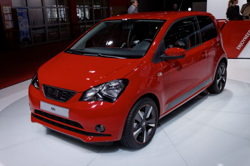 Frontansicht Roter Seat Mii 2 Türer