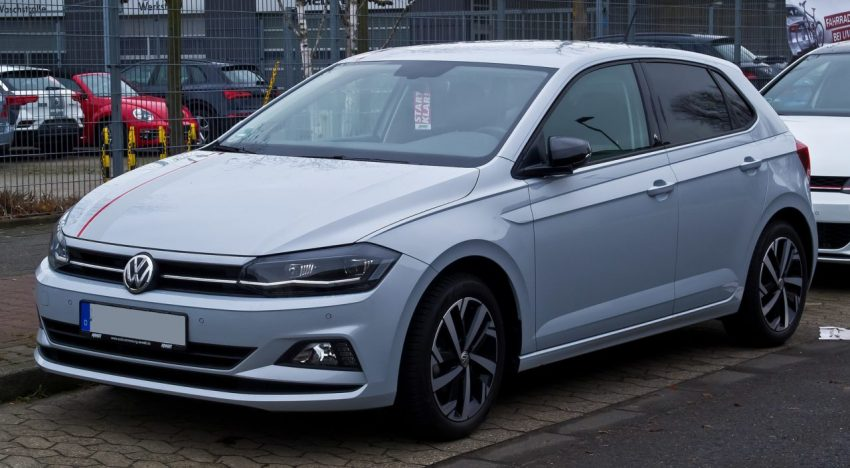 Frontansicht Grauer VW 6er Polo