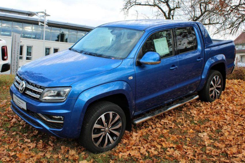 Blauer VW Amarok 2016 Modell Seitenansicht