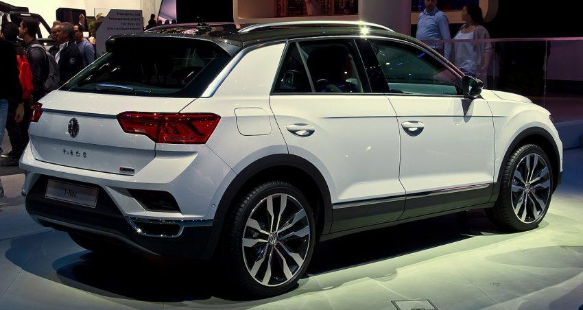 Seitenansicht Weißer VW T Roc 2.0 TDI mit Schwarzem Dach