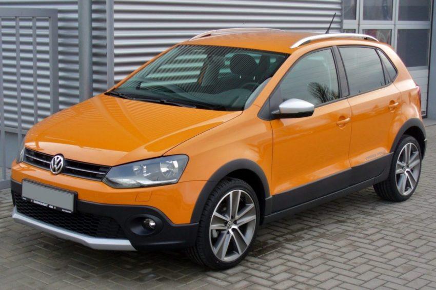 Orangener VW Polo 5 Cross Seitenansicht