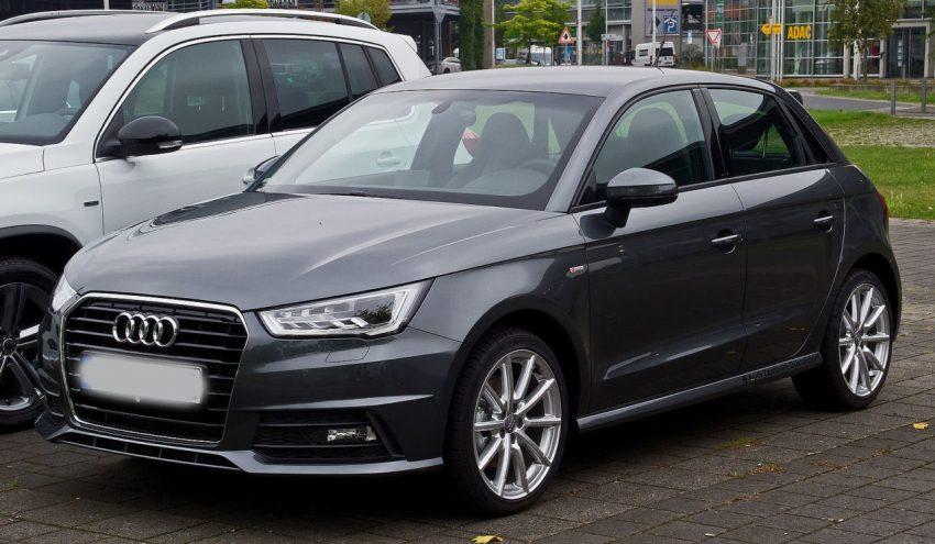 Frontansicht Schwarzer Audi A1 TFSI S Line