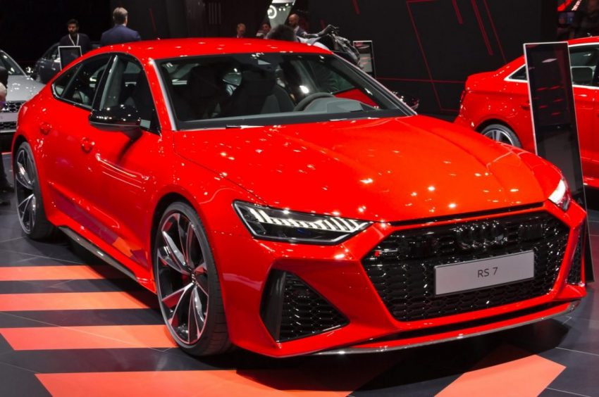 Frontansicht Roter Audi RS7
