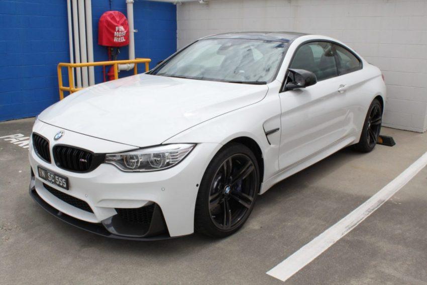 Frontansicht Weißer BMW M4