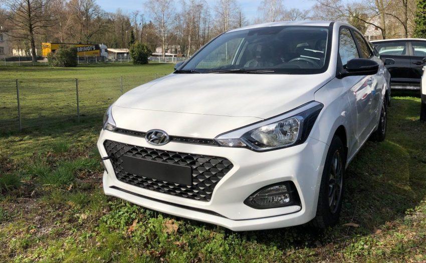 Frontansicht Weißer Hyundai i20