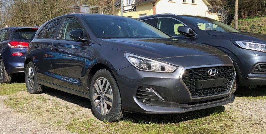 Frontansicht Grauer Hyundai i30