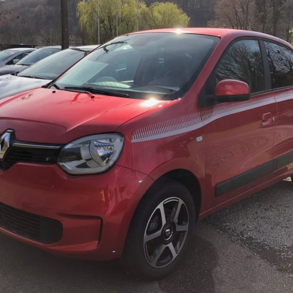 Roter Renault Twingo Frontansicht