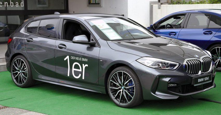 Grauer BMW 1er mit Blauen Bremsscheiben Seitenansicht