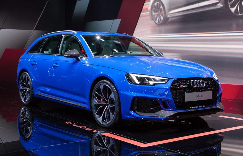 Frontansicht Blauer Audi RS4