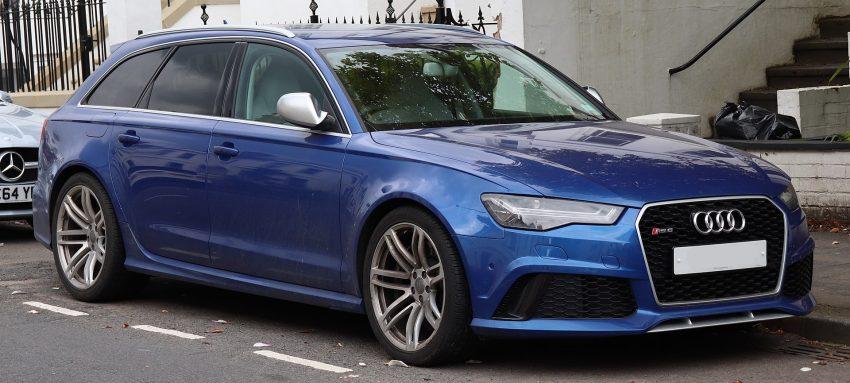 Blauer Audi RS6 mit Getönten Scheiben Seitenansicht