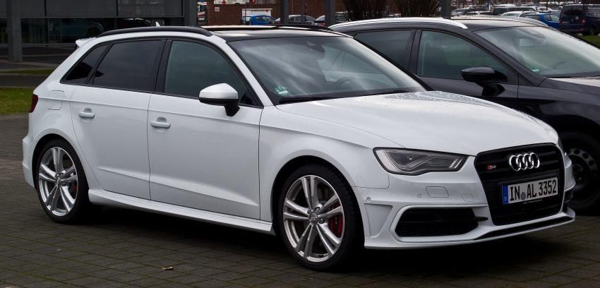 Seitenansicht Weißer Audi S3 mit Getönten Scheiben