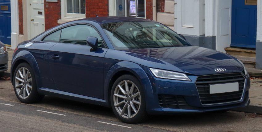 Seitenansicht Blauer Audi TT