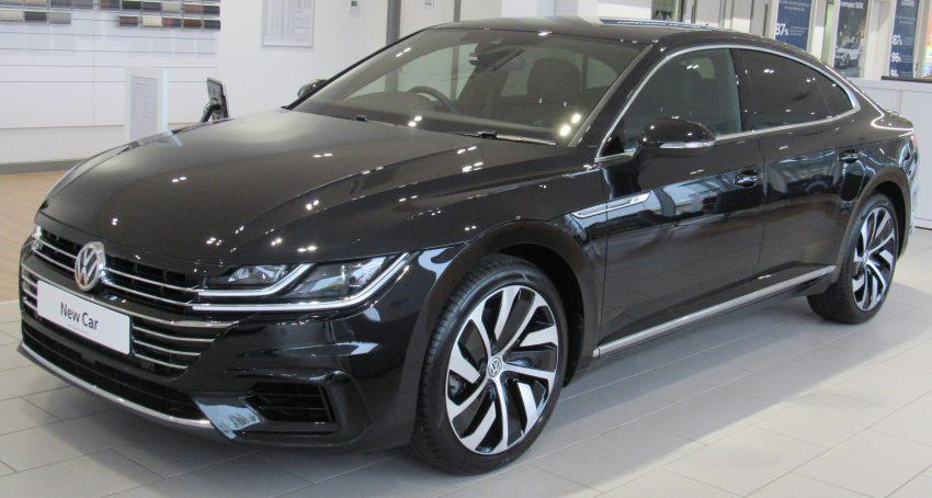 Schwarzer VW Arteon Frontansicht