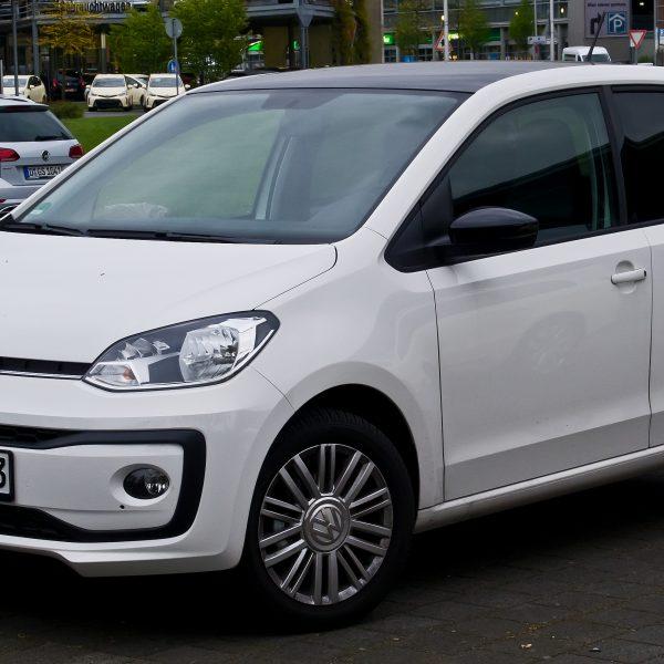 Frontansicht Weißer VW UP