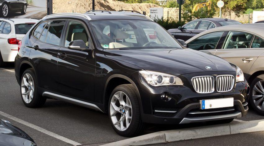 Frontansicht Schwarzer BMW X1