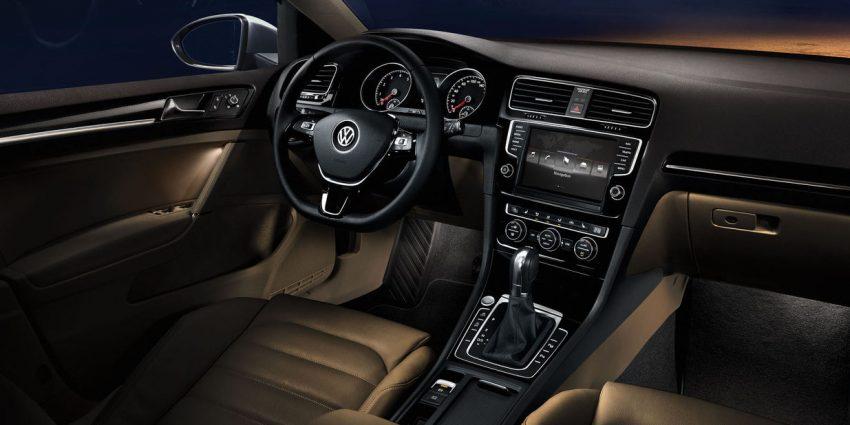 VW Golf 7 Innenraum mit Ambiente Beleuchtung
