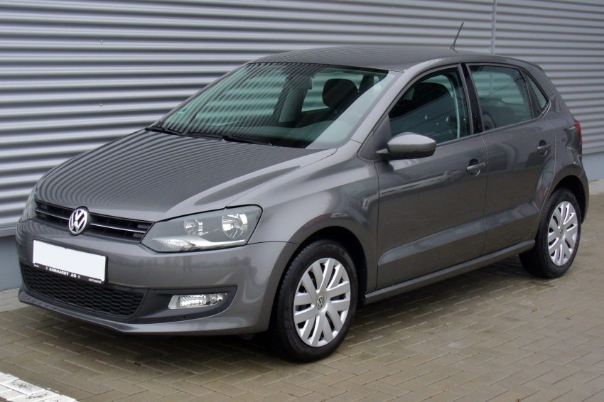 Grauer VW Polo 5 1.2 4 Türer