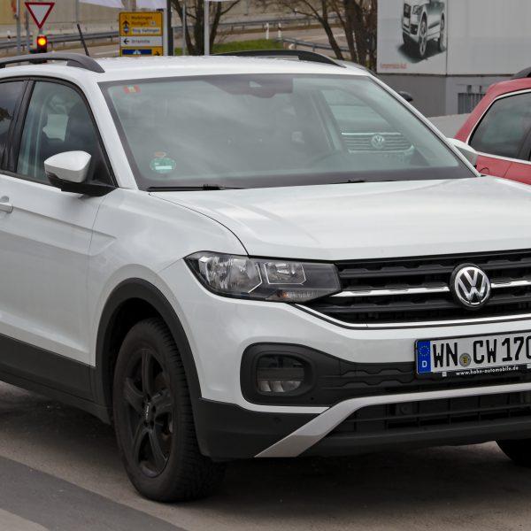 Frontansicht Weißer VW T Cross