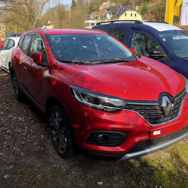 Frontansicht Roter Renault Kadjar
