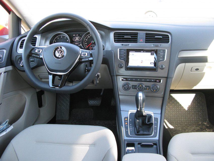 Innenraum VW Golf 7 Automatik
