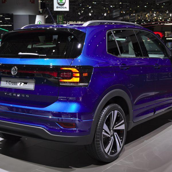Heckansicht Blauer VW T Cross