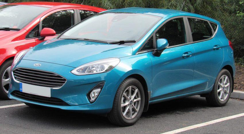 Seitenansicht Ford Fiesta 1.0 Türkis