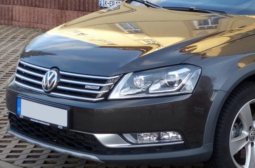 Grauer VW Passat Abblendlicht B7 Birne