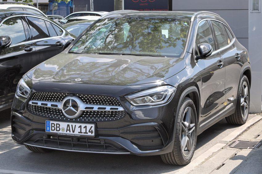 Frontansicht Schwarzer Mercedes Benz H247