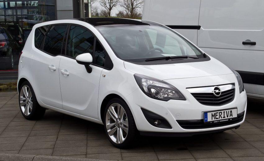Weißer Opel Meriva B 1.4 Seitenansicht
