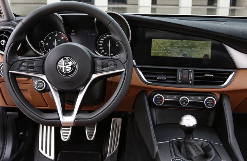 Alfa Romeo Navigationssystem Cockpit