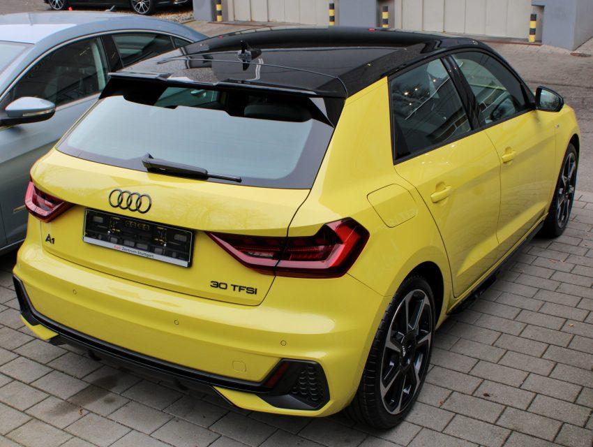 Heckansicht Gelbener Audi A1 30 TFSI