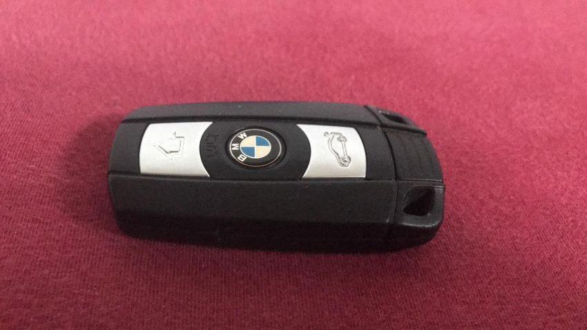 Funkschlüssel eines BMW 3er F30