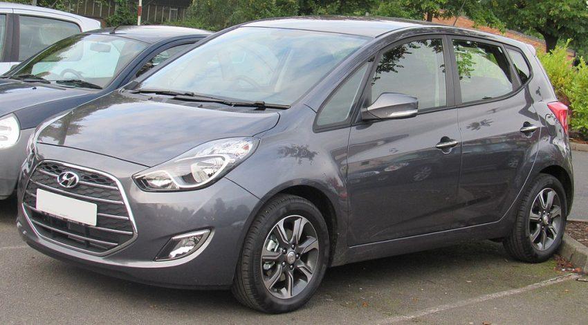 Grauer Hyundai ix 20 Seitenansicht