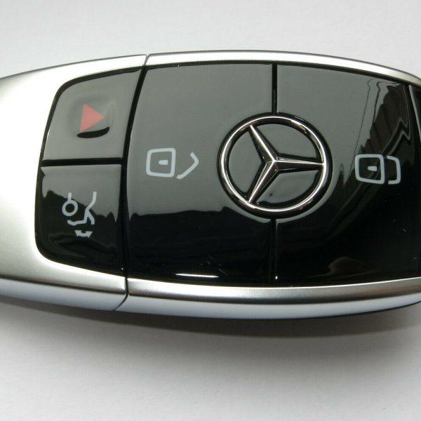 Funkschlüssel (Smart Key) einer Mercedes C Klasse W205