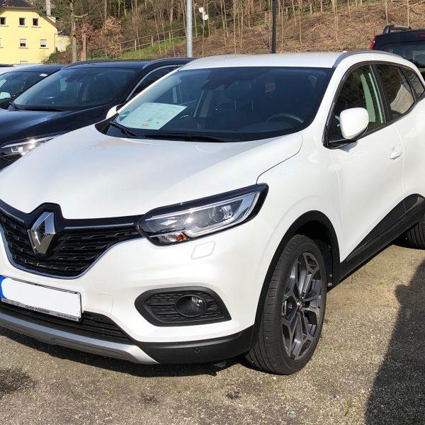 Weißer Renault Kadjar Frontansicht