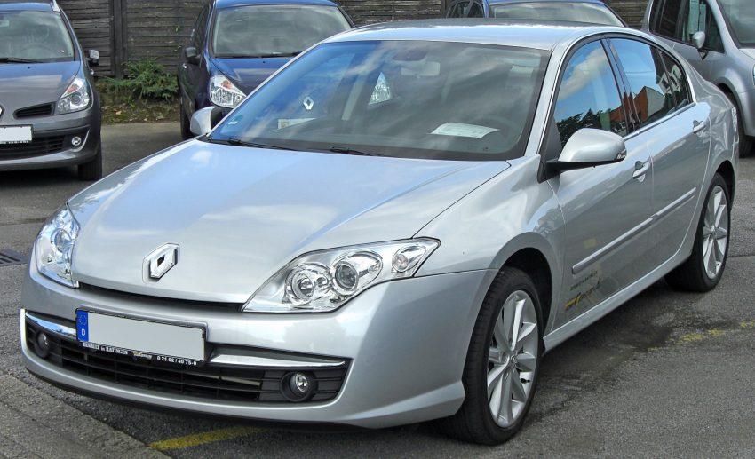 Silberner Renault-Laguna 3 Frontansicht
