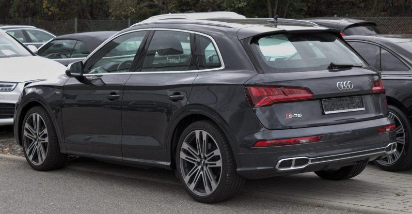 Heckansicht eines Audi SQ5 Baureihe FY